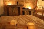 Il centro benessere della Fattoria del Colle - tatami per massaggio di coppia a lume di candela.JPG