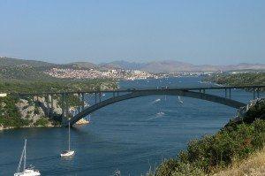 `ibenik_vista dal ponte di_Krka,_Croatie