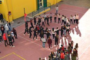 """Al Liceo Galilei di Mondragone """"Nessun Parli"""" Le parole della musica e la musica delle parole e della danza per valorizzare tutte le arti"""